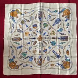 Carré foulard Hermès...