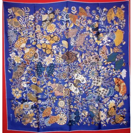 Carré Hermès Fleurs et papillons de tissus